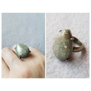 Jewelry - Teardrop Stone Ring Size 6